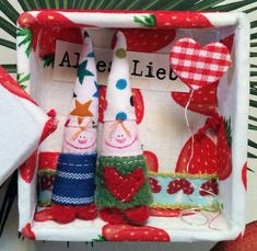 ❤︎ Make A Family, Family Love, Christmas Stockings, Christmas Ornaments, Finger Puppets, Special Occasion, Joy, Make It Yourself, Friends