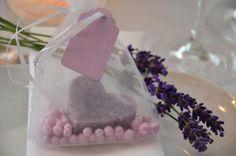 Gastgeschenke - Gastgeschenk Hochzeit Seife Herz - ein Designerstück von majalino bei DaWanda