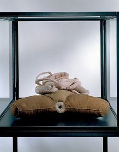 Louise Bourgeois - Fabric sculptures, 2001 - Fabric and steel