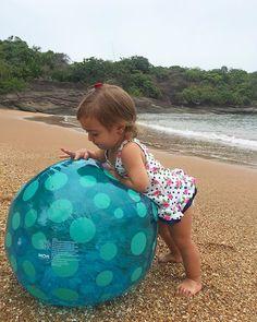 Todo dia é dia de praia  {mesmo com o tempo nublado } #feriasdeverão
