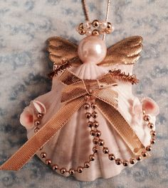 Items similar to Ornament Angel on Etsy Seashell Art, Seashell Crafts, Flower Crafts, Seashell Painting, Diy Christmas Angel Ornaments, Christmas Angels, Angel Crafts, Xmas Crafts, Seashell Projects