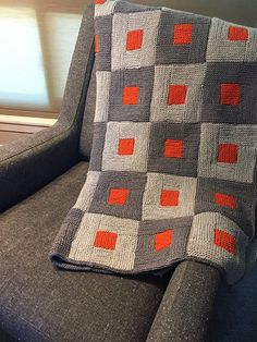Shady Marmalade on Chair – knitting blanket patchwork Knitting Blogs, Knitting Stitches, Knitting Patterns Free, Free Knitting, Knitting Projects, Crochet Projects, Knitting Sweaters, Knitted Afghans, Scraps Quilt