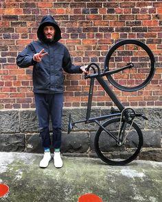 My very stylish new gadabout courtesy of @mantci_bikes  matte black and gold