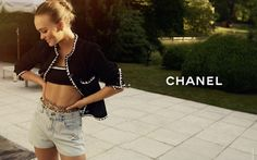 Chanel Resort, Chanel Cruise, Lily Rose Depp Chanel, How To Look Pretty, How To Look Better, Cruise Collection, Campaign Fashion, Classic Skirts, Black Trim