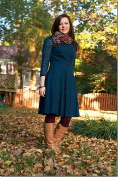 Michelle of Pinque in a quintessential fall look with the LT Belted Lace Dress.