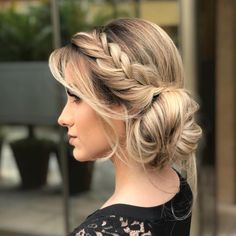 Graduation party dress bridesmaid and mother of the bride. Party hairstyles makeup and tips for organizing tea and wedding. Wedding Hair Down, Wedding Hair And Makeup, Bridal Hair, Hair Makeup, Wedding Braids, Party Hairstyles, Braided Hairstyles, Wedding Hairstyles, Cool Hairstyles