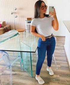 Look day⭐️ basic! Cute Casual Outfits, Simple Outfits, Boho Outfits, Stylish Outfits, Fashion Outfits, Superenge Jeans, Denim Outfit, Minimal Fashion, Casual Looks