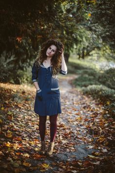 Love her hair! Cold Weather Fashion, Winter Fashion, Blue And White Dress, Winter Wardrobe, Playing Dress Up, Summer Collection, Beautiful Outfits, Style Me, Style Inspiration