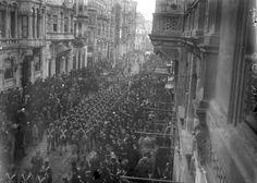 İngiliz 28. Piyade Tümeni birlikleri Beyoğlu-nda
