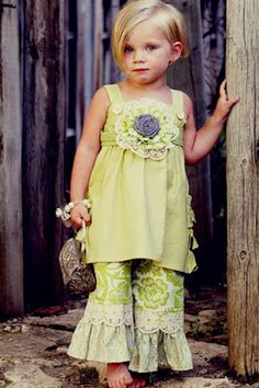 Love this Easter outfit from My Little Jules boutique giveaway.