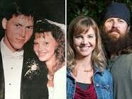 (L) Jase & Missy pose for photo on their wedding day (R) Twenty years later & the couple is still happily married. (photo: Robertson family, Zach Dilgard/A) Duck Dynasty Family, Duck Dynasty Cast, Jase Robertson, Robertson Family, Beard Images, Duck Commander, Before Marriage, Poses For Photos, It Cast