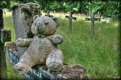 Abandoned cemetery belgium urbex