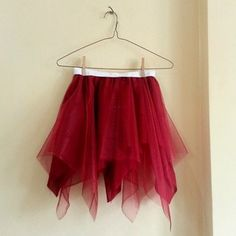 Ultra Easy Square Skirt!  I wanna make one right now with tulle!