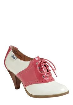 I miss my saddle shoes! I had the black and white ones and the pink and white ones.