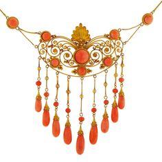 Victorian Coral & 18K Gold Necklace | Cleo Walker