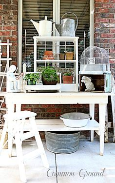 Potting Bench Ideas - Want to know how to build a potting bench? Our potting bench plan will give you a functional, beautiful garden potting bench in no time! Potting Bench Plans, Potting Tables, Potting Sheds, Outdoor Furniture Sets, Outdoor Decor, Fairy Furniture, Outdoor Life, Outdoor Spaces, Outdoor Living