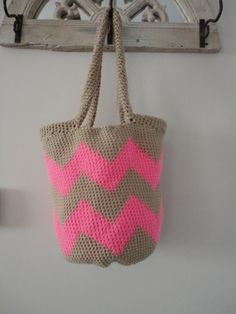 Neon Pink Chevron Stripe Tote Bag -Elizabeth Leppert Dodd - it's crocheted can you make this?