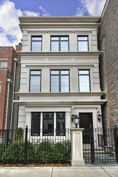 (MRED) For Sale: 6 bed bath 5000 sq. house located at 1700 N Dayton St Classic Architecture, Facade Architecture, House Front Design, Modern House Design, Facade Design, Exterior Design, Classic House Exterior, Facade House, House Styles
