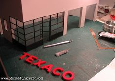 Old Texaco Gas Station – 1:25 scale model [1]