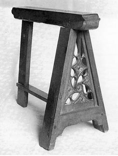 St. Thomas guild - medieval woodworking, furniture and other crafts: Medieval trestles from the Musee des Arts Decoratifs and a painted table top
