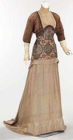 1911+Evening+Dress++Weeks++The+Metropolitan+Museum+of+Art.jpg (300×570)