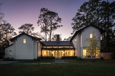 An inviting farmhouse style home was designed with open and airy living spaces by Dillon Kyle Architects, located in rural Houston, Texas. Texas Farmhouse, Modern Farmhouse Style, Farmhouse Design, Hill Country Homes, Pond Design, Residential Architecture, Commercial Architecture, Home Pictures, Custom Homes