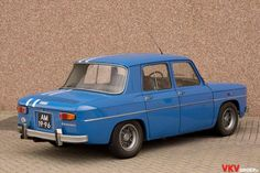 Renault R8 Gordini 1967 Veteran Car, Renault 4, Vintage Cars, Cars And Motorcycles, Planes, Classic Cars, Veils, Trucks, Wheels