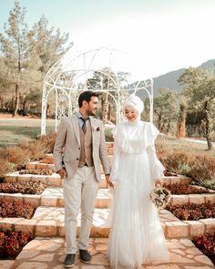 Muslim Couples, Bridesmaid Dresses, Wedding Dresses, Kebaya, Coffin Nails, Lace Wedding, Princess, Fashion, Bridesmade Dresses