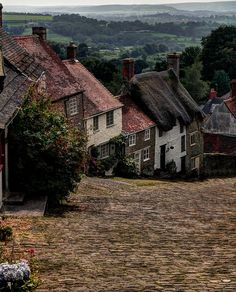 Gold Hill In Shaftesbury, Dorset, England Photo: This Photo was uploaded by minstrel_blue. Find other Gold Hill In Shaftesbury, Dorset, England pictures. Places Around The World, Oh The Places You'll Go, Places To Travel, Places To Visit, Around The Worlds, Dorset England, England And Scotland, England Uk, Gold Hill Shaftesbury