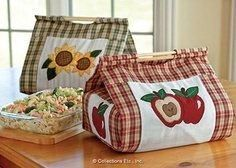 Country Apple & Sunflower Casserole Carrier Set DIY Thinking paisley would be CUTE Quilting Projects, Sewing Projects, Fabric Crafts, Sewing Crafts, Felt Crafts, Casserole Carrier, Collections Etc, Patchwork Bags, Patch Quilt