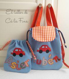 Cá la Fina. Conjunto de mochila de guardería y bolsita 4 Crochet Flower Headbands, Backpack Pattern, Back Bag, Bag Patterns To Sew, Fabric Bags, Kids Bags, Bag Making, Purses And Bags, Sewing Toys