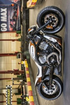 AIRRIDE VROD Customs by Dave Willems Motorcycles