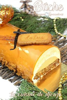 Speculaas log with easy caramel insert - Buche speculoos salted butter caramel insert - Cake Roll Recipes, Apple Cake Recipes, Cheesecake Recipes, Dessert Recipes, Desserts With Biscuits, Desserts For A Crowd, Fancy Desserts, Salted Butter, Cheesecake