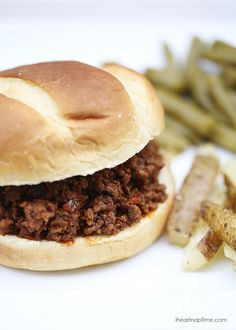 Easy and delicious sloppy joes recipe -a 15 minute meal!