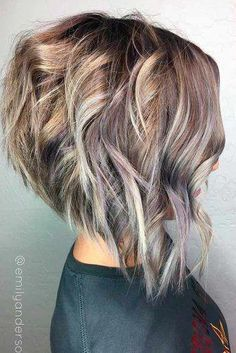 Outstanding Short Hair Color 2018 The post Short Hair Color appeared first on Hair and Beauty 2019 . Short Hair Cuts For Women, Short Hairstyles For Women, Trendy Hairstyles, Short Trendy Haircuts, Hairstyles 2018, Feathered Hairstyles, Pixie Hairstyles, Natural Hairstyles, Funky Medium Haircuts