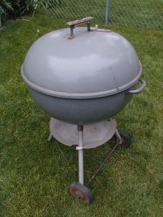 """VINTAGE 60's GREY WEBER BBQ BAR-B-Q 22 1/2"""" KETTLE CHARCOAL GRILL pickup CHICAGO in Home & Garden, Yard, Garden & Outdoor Living, Outdoor Cooking & Eating 