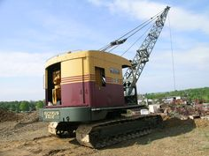 Old Construction Equipment Show Vintage Tractors, Vintage Farm, Heavy Construction Equipment, Heavy Equipment, Earth Moving Equipment, Construction Images, Caterpillar Equipment, Bucyrus Erie, Crawler Crane