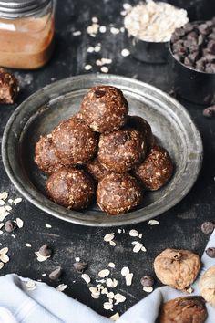 Dark Chocolate Fig Oatmeal Bites.