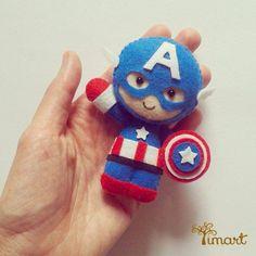 Apostila Capitão América. Pattern PDF. ::::: Adquira a sua na loja oficial (clique em visitar ou acesse https://timart.com.br/loja). Use em guirlandas, chaveiros, dedoches, ponteiras de lápis e muito mais! :::::::::::: Pattern PDF Captain America, to make in felt. Vectored templates! Use to make souvenirs, pencil tips, fingertips, and more! Get yours in the official store: https://timart.com.br/loja