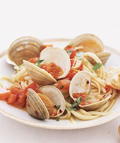 Linguini with Clam Sauce - must remember to add lemon juice!