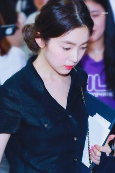 K Pop, South Korean Girls, Korean Girl Groups, Redvelvet Kpop, Musica Popular, Red Velvet Irene, Korean Bands, Seulgi, Korean Singer