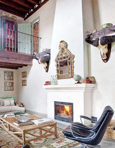 Keltainen talo rannalla: Modernia, romanttista ja rustiikkia