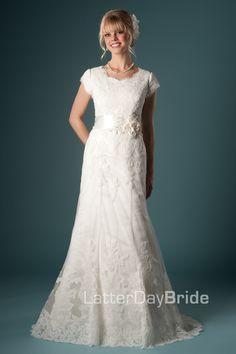 Modest Wedding Dresses : Caymbria