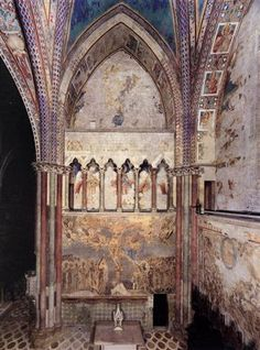 View of the frescoes in the left transept - Cimabue