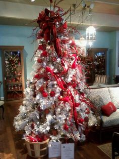 Great ideas for decorating your Christmas Tree from the Summer Classics Stores.