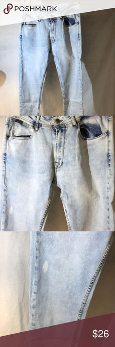 """Zara slim stretch light blue jeans 32/31 PRICE DROPPED 20% OFF ANY ITEM 24 HR SALE THURSDAY 08/10...Actual measurements: 32"""" waist 31"""" inseam. 9.5"""" rise. 5.5"""" cuff, Pre owned, excellent condition, light wear. white stain spot on left leg.. pic 3. zara Jeans Skinny"""