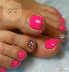 Ideas For Gel Pedicure Designs Silver - Fab feet & twinkly toes! Gel Toe Nails, Diy Nails, Acrylic Nails, Pink Toe Nails, Gel Toes, Toenails, Toe Nail Art, Shellac Toes, Glitter Toe Nails