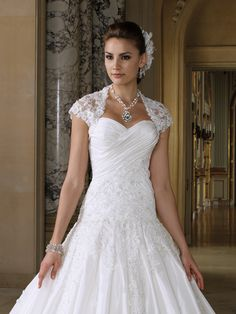 #Wedding #dresses and #bridals #gowns by David Tutera for Mon Cheri for every #bride at an affordable price  |  Wedding Dress  |  Style #JKT112219