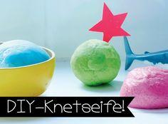 DIY formbare Seife | Cooles DIY! Knetseife könnt ihr ganz einfach aus nur 3 Zutaten selber machen. So macht das Baden und Händewaschen gleich viel mehr Spaß