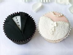 #Bride & #Groom #Wedding #Cupcakes We love and had to share! Great #CakeDecorating